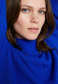 Dorothy Perkins - LOLA SKYE HIGH NECK CROPPED JUMPER - Maglione - cobalt - 3