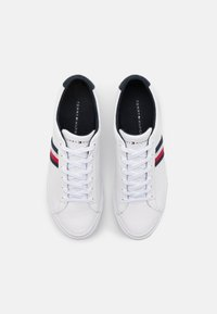 Tommy Hilfiger - CORPORATE - Trainers - white - 3