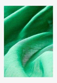 Falconeri - Scarf - grün - 8581 - verde prato - 1