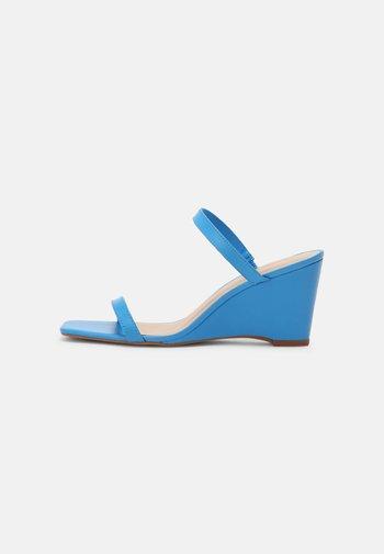LEGAODDA - Kilesandaler - blue