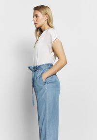 Marc O'Polo DENIM - PANTS WIDE LEG BELT - Trousers - blue grey - 3