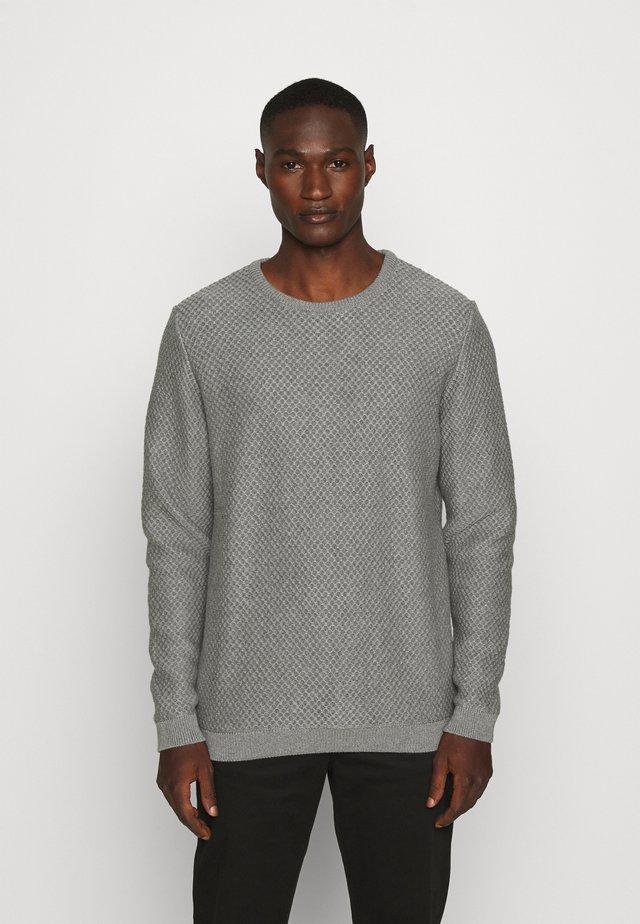 FIELD CREW NECK - Pullover - mottled grey