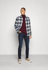 Lee - LUKE - Slim fit jeans - dark-blue denim - 1