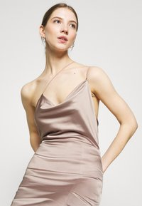 Nly by Nelly - PUT ON A SHOW STRAP GOWN - Galajurk - nougat - 3