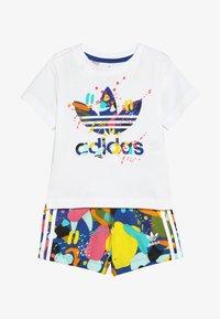 adidas Originals - SHORT SET - Stoffhose - white/multicolor - 4