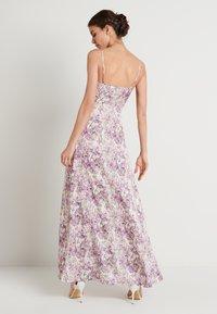 NA-KD - V-NECK FLOWY DRESS - Maxi dress - purple - 2
