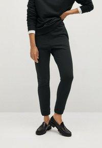 Mango - RIVI-A - Teplákové kalhoty - gris anthracite - 0