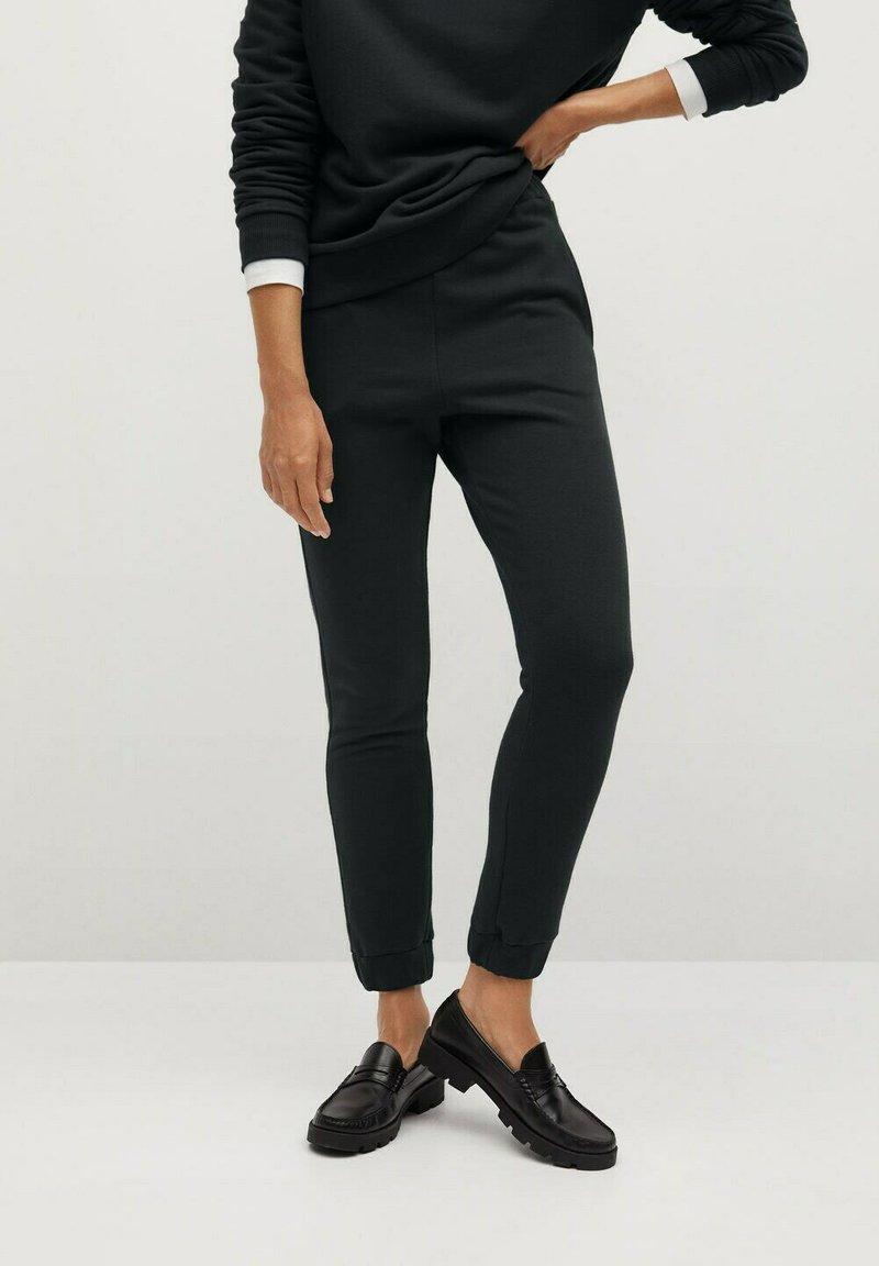 Mango - RIVI-A - Teplákové kalhoty - gris anthracite