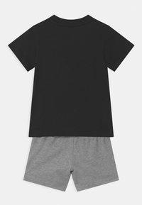 adidas Originals - TEE SET UNSEX - Shorts - black/mottled grey - 1