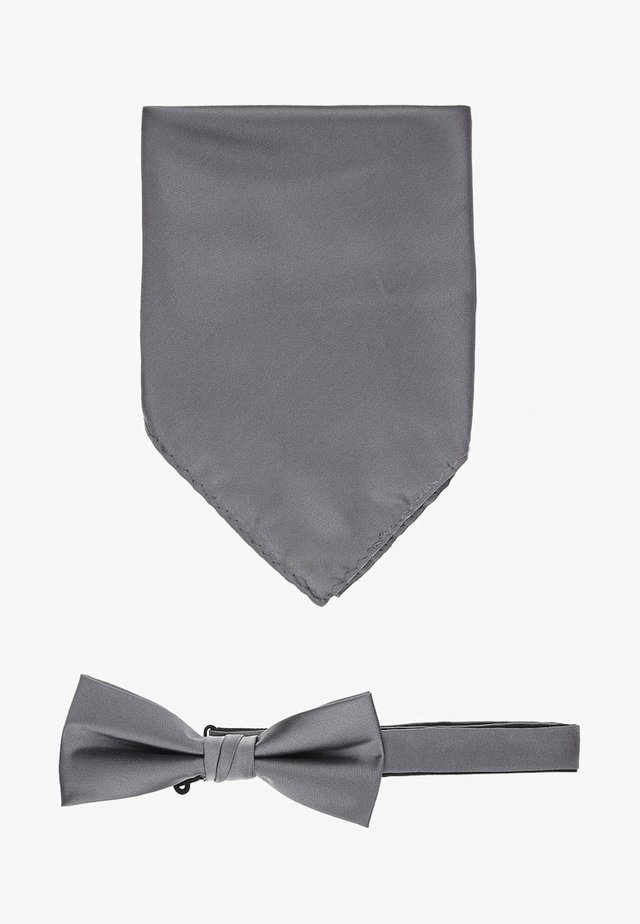 Pocket square - mid grey melange