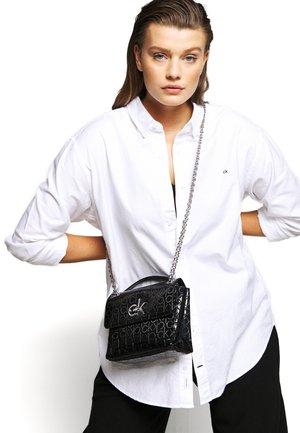 RE LOCK CROSSBODY - Torba na ramię - black