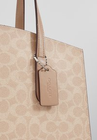 Coach - CHARLIE CARRYALL - Kabelka - sand taupe - 5