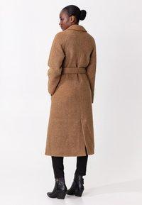 Indiska - Classic coat - camel - 2