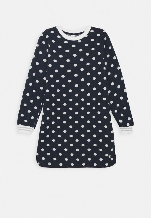 LAURYNE ROBE - Jersey dress - smoking/marshmallow
