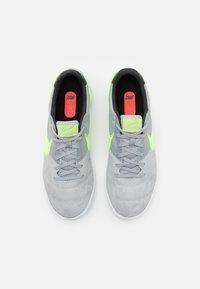 Nike Performance - PREMIER II SALA IC - Indoor football boots - light smoke grey/ghost green/white - 3