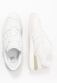 Fila - NETPOINT - Sneakers - white/antique white - 1