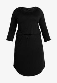 JRZAKAS 3/4 SLEEVE BELOW KNEE DRESS - Jersey dress - black