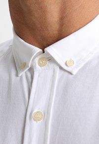 Lyle & Scott - REGULAR FIT  - Shirt - white - 6