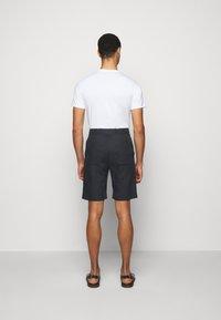 Paul Smith - GENTS - Shorts - navy - 2