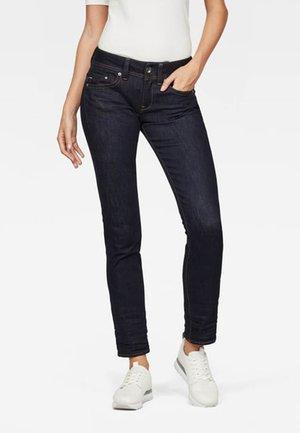 MIDGE SADDLE - Straight leg jeans - blue denim