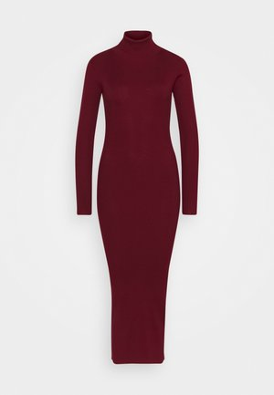 ROLL NECK DRESS - Strikket kjole - deeper red