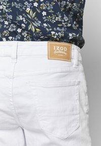 IZOD - Straight leg jeans - bright white - 5