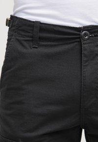 Carhartt WIP - AVIATION COLUMBIA - Shorts - black - 3