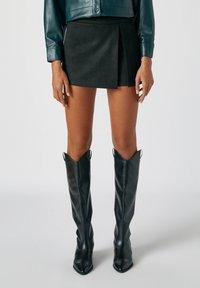 PULL&BEAR - A-line skirt - mottled black - 0