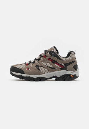 RAVUS VENT LITE LOW WATERPROOF - Trekingové boty - cool grey/red/black