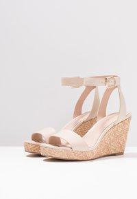 ALDO - UNALIVIEL - Højhælede sandaletter / Højhælede sandaler - bone - 4