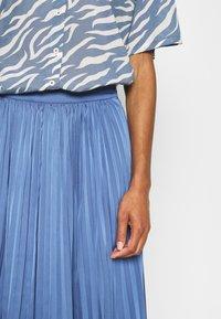 Moss Copenhagen - SENTA SKIRT - A-line skirt - gray blue - 4