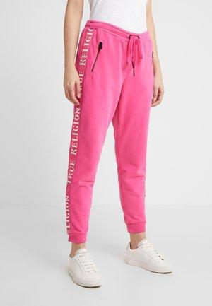 EXCLUSIVE PANT TAPE ON SIDE SEAMS - Teplákové kalhoty - pink yarrow