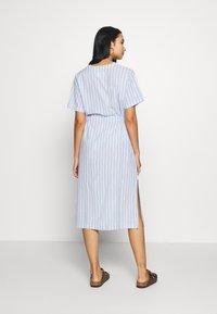 Leon & Harper - ROBUSTA STRIPES - Shirt dress - sky - 2