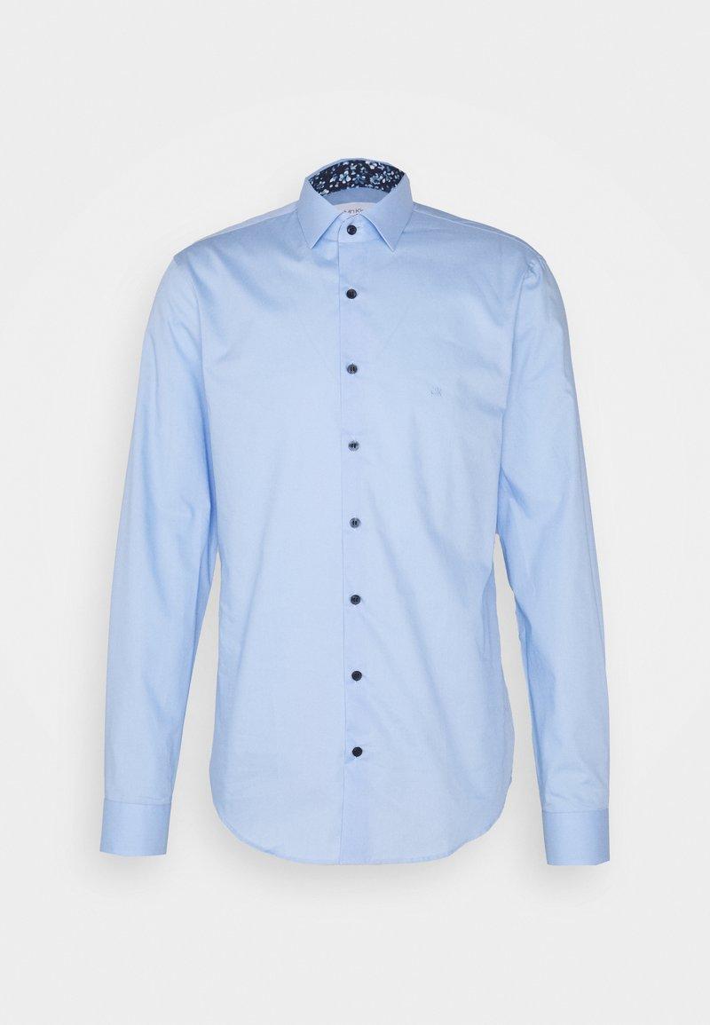 Calvin Klein Tailored - CONTRAST SLIM FIT - Formal shirt - light blue