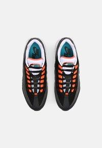 Nike Sportswear - AIR MAX 95 UNISEX - Sneakersy niskie - black/aquamarine/turf orange/white/anthracite/dark grey - 3