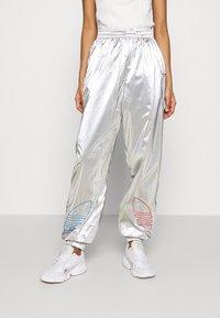 adidas Originals - JAPONA - Pantalones deportivos - silver - 0