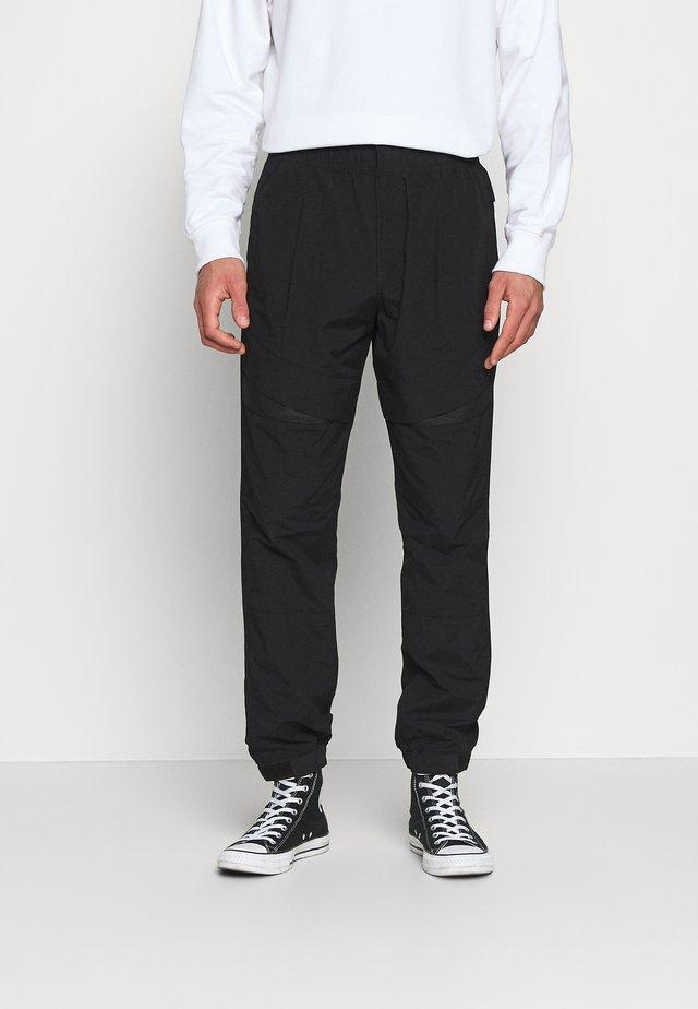 TRACK PANT - Stoffhose - black