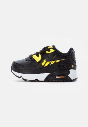 NIKE AIR MAX - Sneakersy niskie - black/opti yellow-univ gold-citron pulse