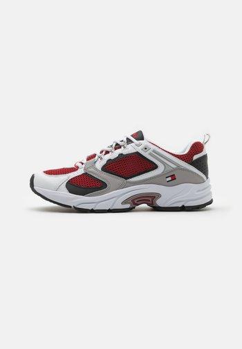 ARCHIVE RUNNER - Sneakers basse - white