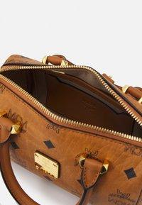 MCM - ESSENTIAL VISETOS ORIGINAL BOSTON - Handbag - cognac - 2