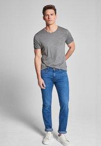 JOOP! Jeans - CLARK - T-shirt - bas - dark grey                  029 - 1