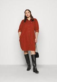 Lee Plus - WORKSHIRT DRESS - Shirt dress - red ochre - 1