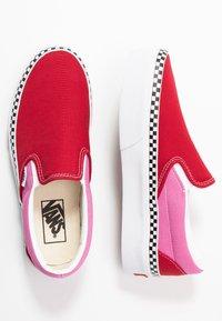 Vans - CLASSIC - Slip-ons - chili pepper/fuchsia pink - 3