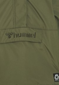 Hummel - HMLCOZY - Winter jacket - olive night - 3