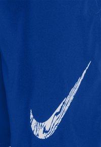 Nike Performance - RUN SHORT - Korte sportsbukser - game royal/white - 2