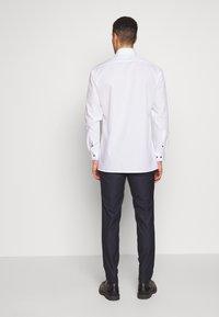 Bertoni - BLOCH TROUSER - Trousers - dark blue - 2