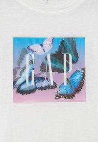 GAP - GIRL LENTICULAR LOGO THOLOGRAPHIC - Print T-shirt - new off white - 2
