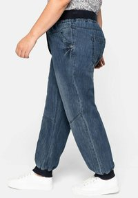Sheego - Jeans Tapered Fit - blue denim - 3