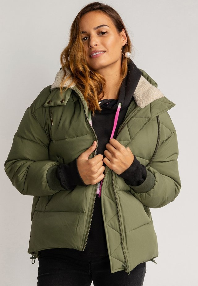 BACK IN TOWN - Winter jacket - canteen