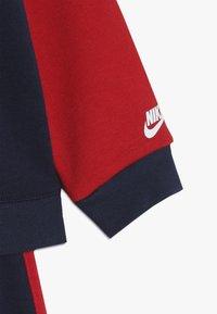 Nike Sportswear - OVERSIZED FUTURA CREW BABY SET - Træningssæt - midnight navy - 3